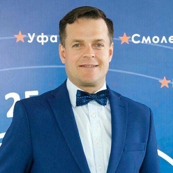 Дмитрий Пивоваров